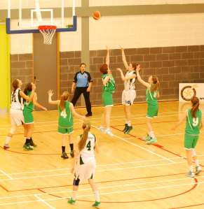 Moycullen hold out Meteors